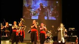 Kajra Re - Rafaqat Ali Khan and The Bollywood Brass Band