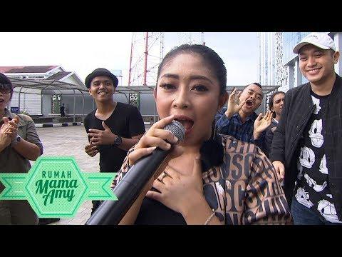 Lagunya Enak Banget! Duo Anggrek GOYANG NASI PADANG  - Rumah Mama Amy (23/11) mp3
