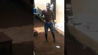 Un fan fais une démo de Bazo feat kendja cobra  mbombo