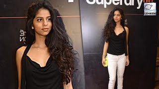 Suhana Khan Poses For Shutterbugs At Lakme Fashion Week 2017 | Lehren TV