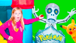 POKEMON Assistant Surprise Search for Pokeballs Spooky Inflateable Bounce House Toys Video