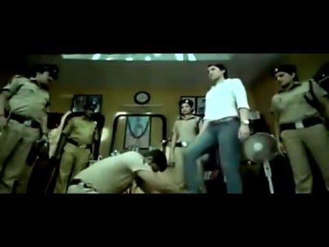 rashi khanna head trample