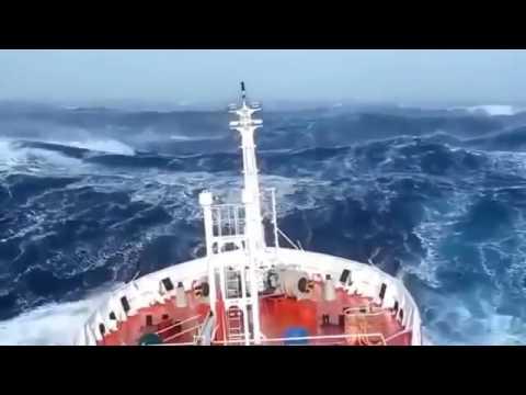 Video Amatir Detik-detik Kapal disekitar Segitiga