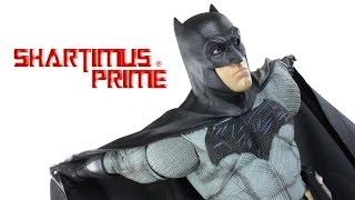 NECA Toys Batman 1:4 Scale Batman v Superman Dawn of Justice DC Comics Movie Figure Review