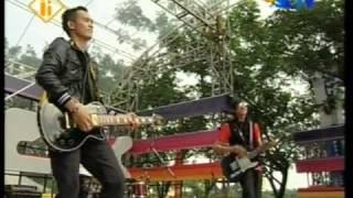 GIBRAN - SALAHKAH MENCINTAIMU LIVE DI INBOX (COURTESY SCTV)