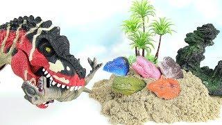 다이노트럭스 공룡을 구해줘! Dinosaur Attack Dino School Bus! Danger Dinosaur finger Toys in Sand.