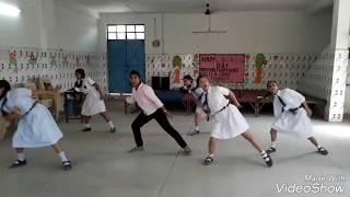 Ladki beautiful kar gayi chul dance from Dimond public school
