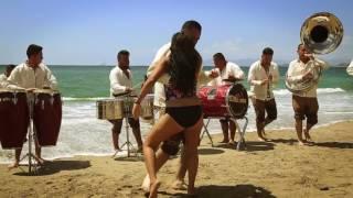 Banda el Retoño tocando a viento desde Puerto Vallarta