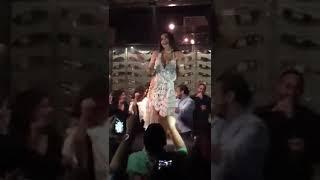 فيديو رقص علي مهرجان لا لا رقص جامد جدا طب ينفع كدا 😂😂