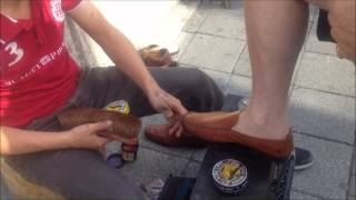 Shoe shine boy in a street of Istanbul !