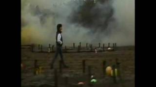 NENA 99 RED BALLOONS US VERSION MUSIC VIDEO.mp4