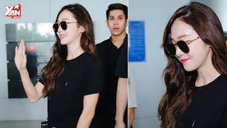 Cận Cảnh Nhan Sắc Sang Chảnh Của Jessica Tại Sân Bay Việt Nam