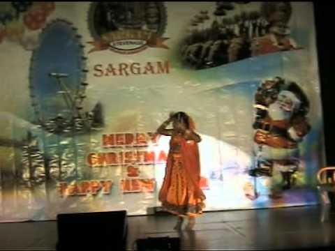 SARANGY & ANASOOYA SATHYAN.... Dhum dhum dooryetho.... from Rakkilippattu
