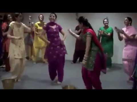 Giddha punjabi folk dance