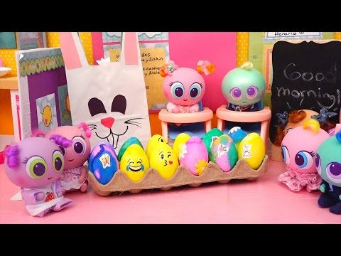 Distroller Babies & Toddlers Coloring Eggs & Easter Egg Hunt at School Toys for Kids & Baby Dolls
