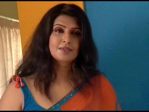 Maya Viswanath hot in saree