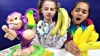 Pull My Finger Monkey Challenge Game - Surprise Squishy Toys