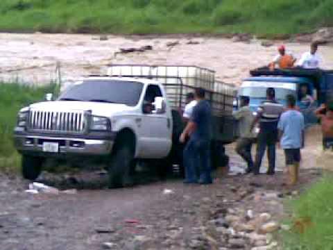 ford triton 4x4 levantado en 2 ruedas