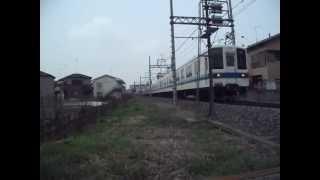 東武野田線8000系藤の牛島駅到着発車
