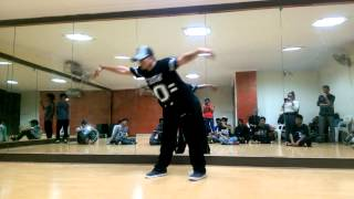 Poppin C.C ( I AM HIP HOP CREW ) Performing the popping routine at House Of Funk!