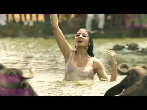 Xxx Mp4 Matru Ki Bijlee Ka Mandola Anushka Sharma Kiss Hot Anushka Imran Khan Kiss 3gp Sex