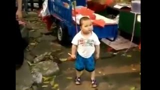 Chinese toddler defends his grand Maa, video goes viral