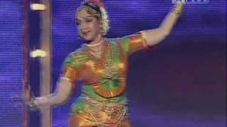 Hema Malini Ji and Daughters Devi Dance : 04_11_2010_10_27_35Hema Malini.mpg