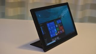 The ThinkPad X1 tablet is a laptop, projector & 3D camera — CES 2016