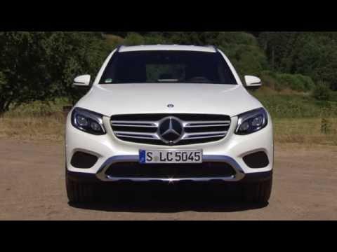 Mercedes Benz GLC 350 e 4MATIC Diamond White World Premiere