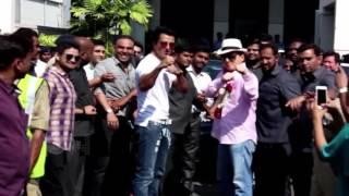 Jackie Chan Meet Bollywood Star at the Mumbai Airport