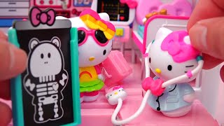 Hello Kitty Toys Rescue Set and Airplane - Bear Falls and Kitty Has to Call an Ambulance