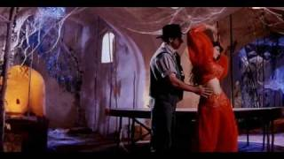 Hot Raveena Tandon in Mohra - Main Cheez Badi Hoon Mast