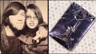 For 47 Years This Married Man Has Kept A Gift From His Ex Girlfriend Under The Christmas Tree
