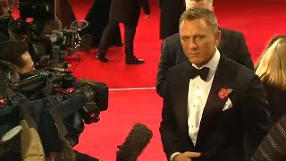 """Daniel Craig says he will do Bond """"one more time"""""""