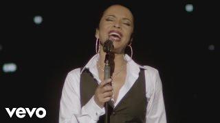 Sade - Smooth Operator (Live 2011)