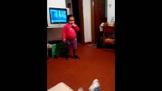Gordita bailando cumbia