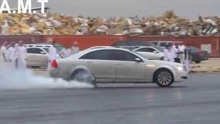 تفحيط في الرياض في وسط الشارع و عرقلة للسير في أمطار الرياض #تفحيط_في_أمطار_الرياض