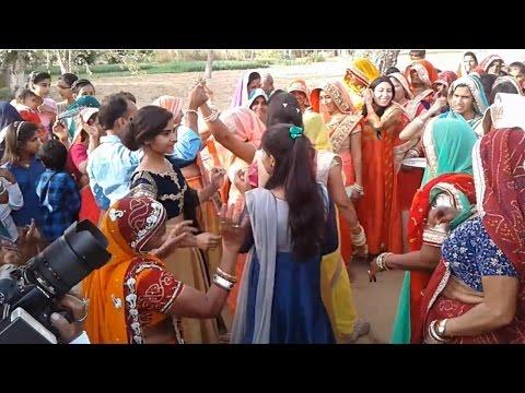 New 2017 rajasthani girl deshi DJ dance || Rajasthani marwadi marriage break dance video ||
