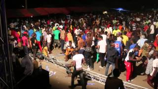 Azonto Dance by Crowd