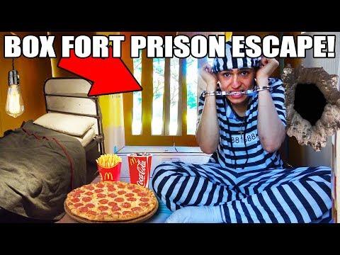 24 HOUR BOX FORT PRISON ESCAPE 📦🚔