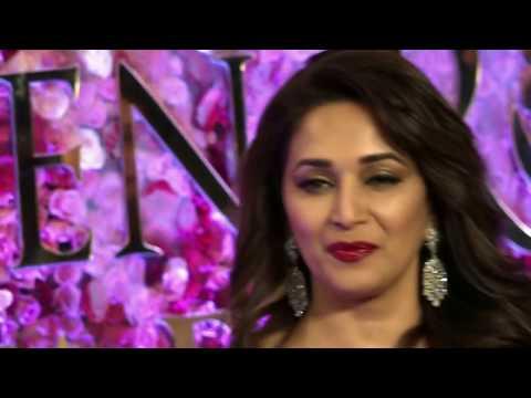Xxx Mp4 जब 21 साल की Madhuri Dixit S ने दिया था 42 साल के Vinod Khanna के साथ बोल्ड KISSING सीन 3gp Sex