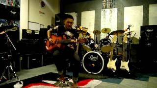 Kuala rompin D'kukur vocalist live at Xprincess