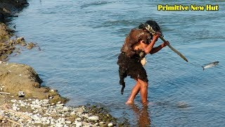 Primitive New Hut: Hunting Fish With Spear and by Hand - River Fishing