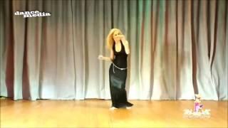 رقص مو طبيعي على اغنيه شكد الكلب يرتاح 😍   YouTube
