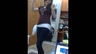 رقص شرقي حصري في البيت
