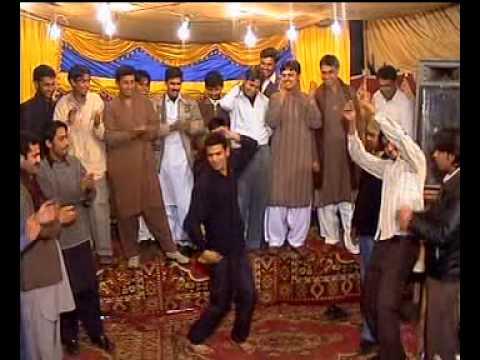 pakistani wedding dance in Multan