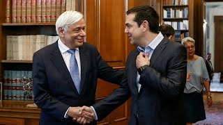 Grèce : la promesse d'Alexis Tsipras (de porter une cravate)