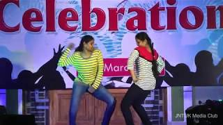 College Day 2K16    JNTUK Kakinada    CSE    Anjani & Sowmya Dance Performance