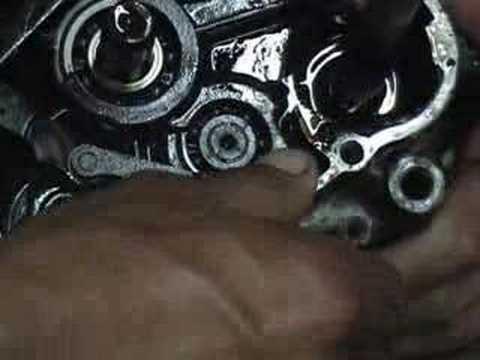 Honda C90 desmonte y reparación del motor Parte 2