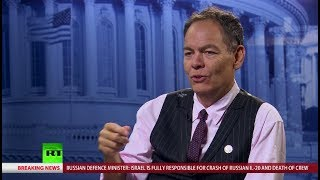 Keiser Report: Manafort Drained From Bipartisan Swamp (E1281)